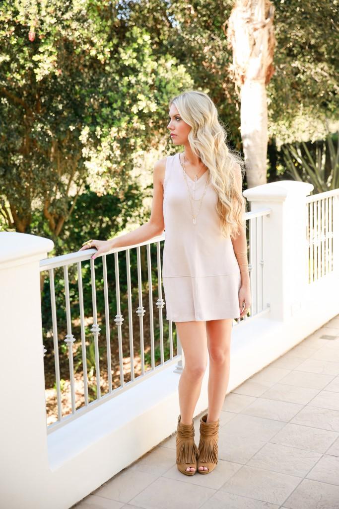 Lauren Sebastian fashion blogger