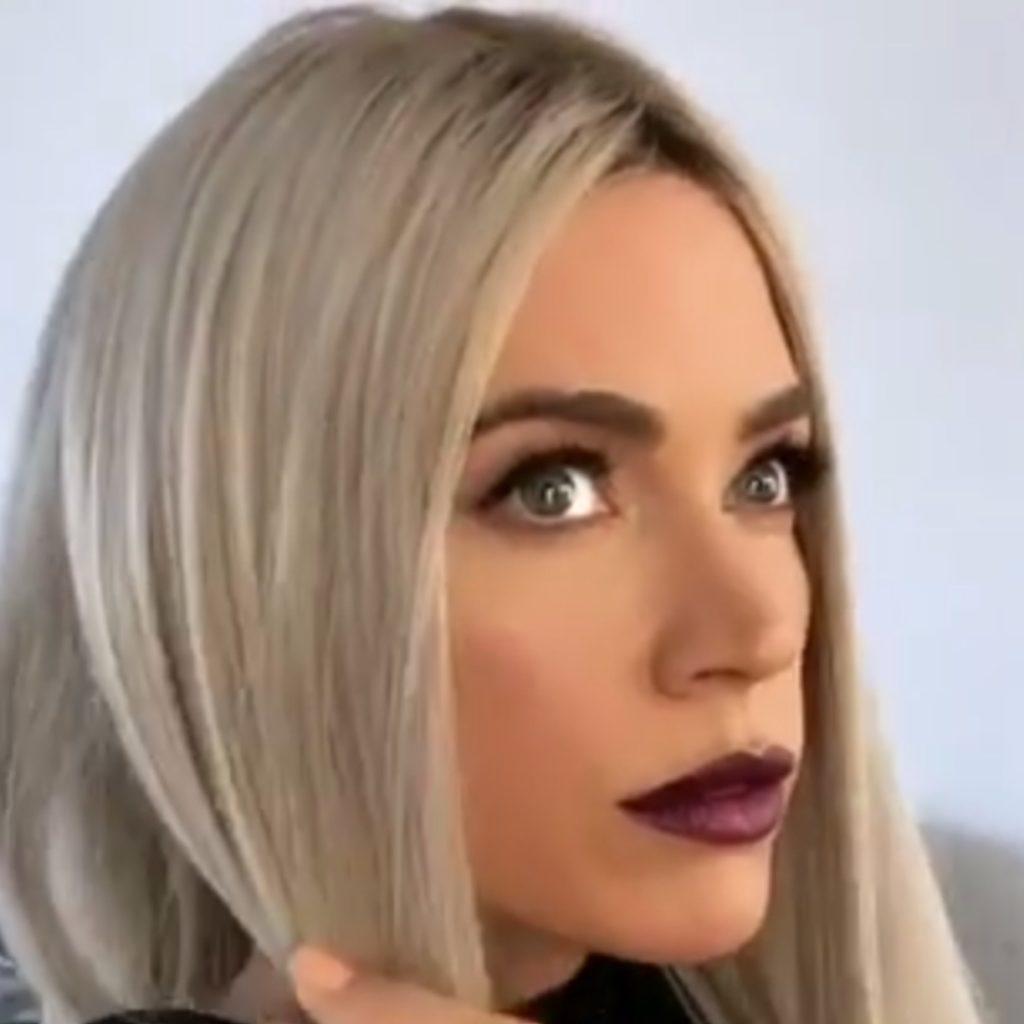 Teddi Mellencamps Dark Lipstick