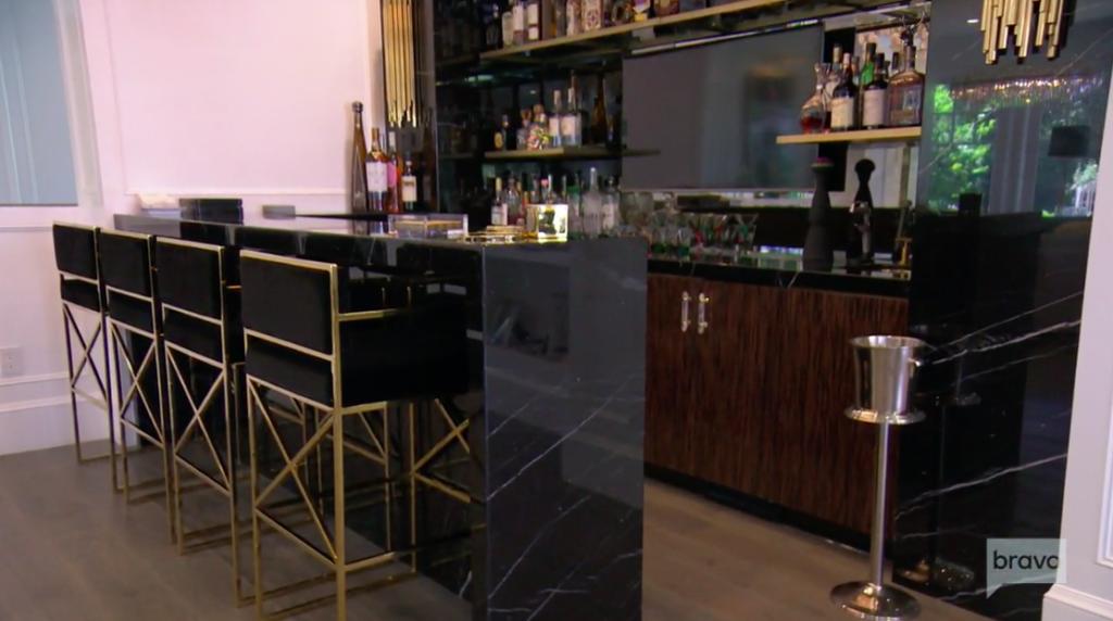 Kyle Richards' Black and Gold Bar Stools Talking To Teddi Mellencamp Arroyave