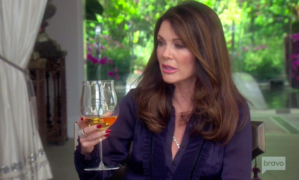 Lisa Vanderpump's Large Wine Glasses Talking To Dorit Kemsley and Kyle Richards