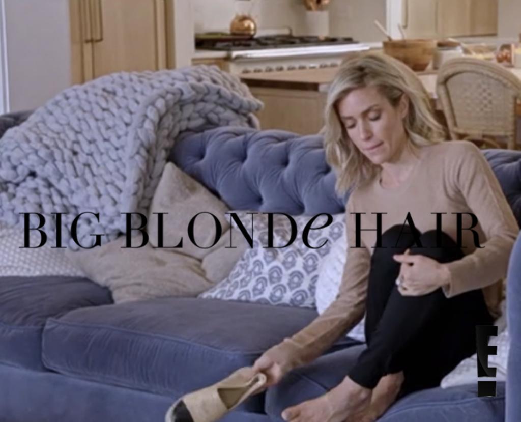Kristin Cavallari's Grey Chunky Knit Blanket Talking to Jay Cutler